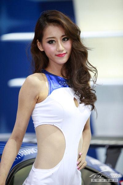 2019上海车展车模-斯巴鲁高挑车模